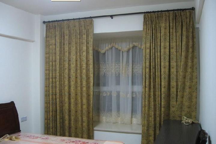 奥地利式花边窗帘这是一种当前比较时髦的新潮窗帘